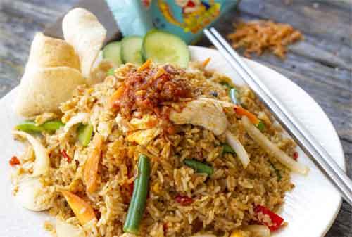Benda Murah di Indonesia Tapi Mahal di Luar Negeri 10 Nasi Goreng - Finansialku