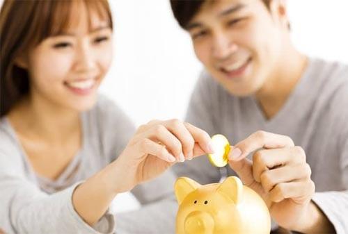 Pasangan-Muda-Mengatur-Keuangan-02-Finansialku