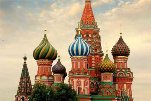36 Fakta Unik dan Manfaat Travelling! Dijamin Anda Akan Langsung Merencanakan Liburan 02 Moscow Rusia - Finansialku