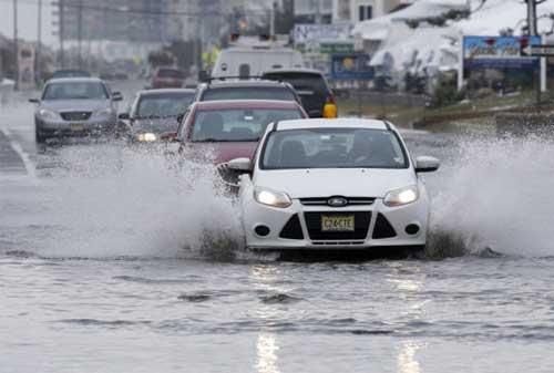 5 Penanganan Mobil Setelah Melewati Banjir. Lakukan Agar Mobil Tidak Rusak! 01 - Finansialku