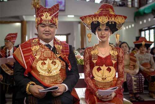 7-Pernikahan-Adat-yang-Paling-Mahal-2-Karo-Finansialku