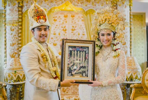 7-Pernikahan-Adat-yang-Paling-Mahal-5-Aceh-Finansialku