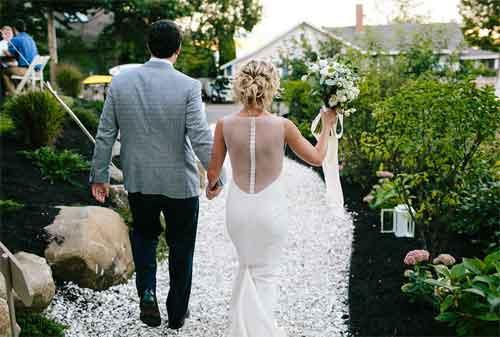 Kehabisan Ide Ini Dia Konsep Pernikahan Murah 04 Pesta di Taman - Finansialku