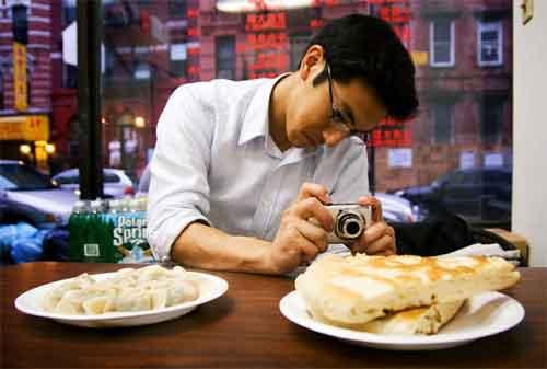 Makanan Enak Tips Wisata Kuliner on Budget 01 - Finansialku