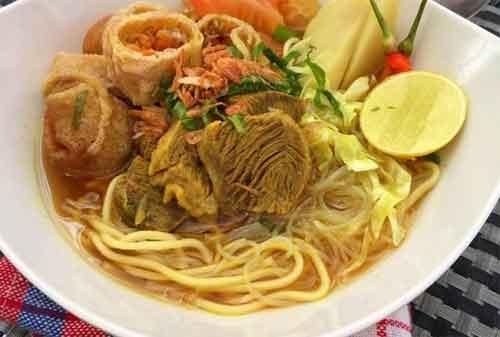 Makanan Enak Tips Wisata Kuliner on Budget 04 Soto Mie Bogor - Finansialku