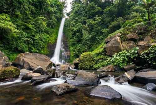 Paket Wisata Bali 08 Air Terjun Gitgit - Finansialku