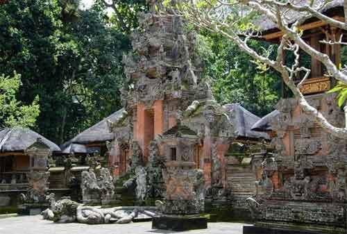 Paket Wisata Bali 11 Pura Dalem Agung Padangtegal - Finansialku