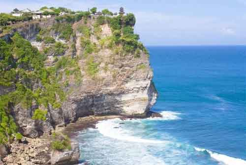 Paket Wisata Bali 13 Pura Uluwatu - Finansialku