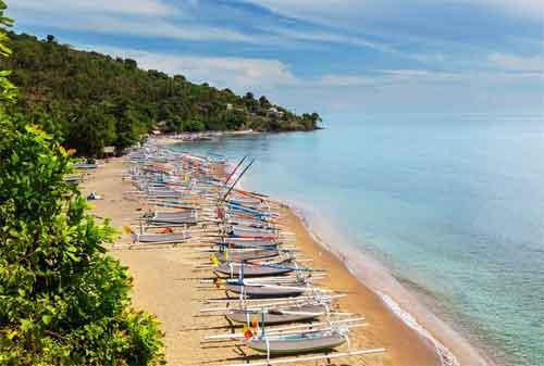 Paket Wisata Bali 23 Pantai Amed - Finansialku