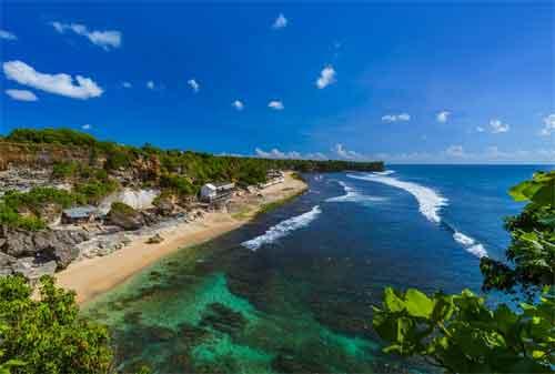 Paket Wisata Bali 27 Pantai Balangan - Finansialku