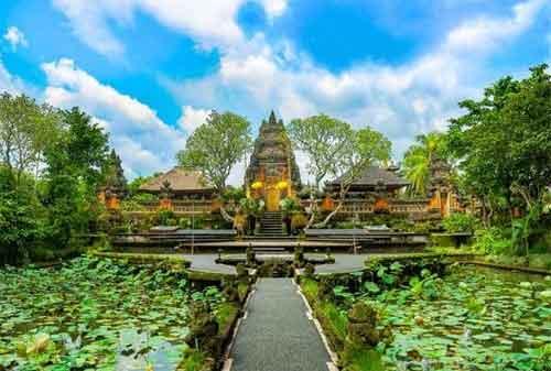 Paket Wisata Bali 30 Pura Taman Saraswati - Finansialku