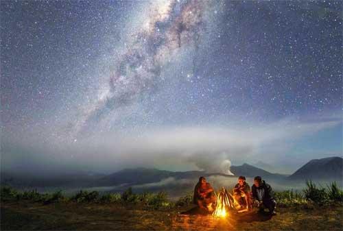 Paket Wisata Bromo 07 Milky Way - Finansialku
