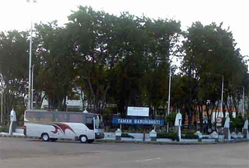 Taman di Surabaya 06 - Taman Barunawati