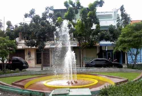 Taman di Surabaya 08 - Taman Kalongan