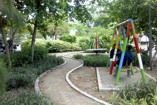 Taman di Surabaya 10 - Taman Krembangan Timur