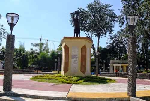 Taman di Surabaya 13 - Taman Ronggolawe