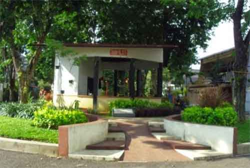 Taman di Surabaya 15 - Taman Paliatif