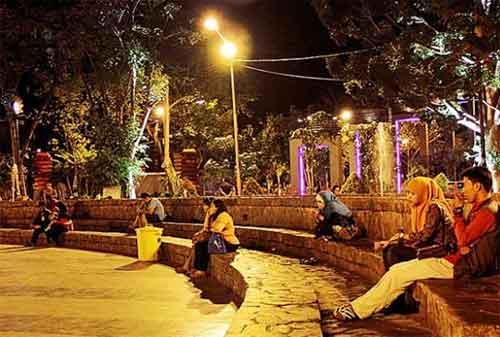 Taman di Surabaya 27 - Taman Bungkul
