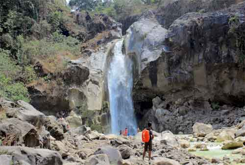 Wisata Lombok 16 Air Terjun Mangku Sakti - Finansialku