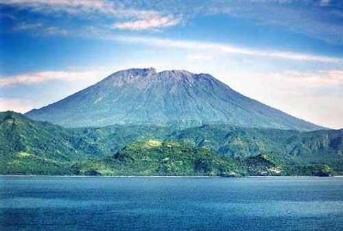 Wisata-di-Bali-09a-Gunung-Agung---Finansialku