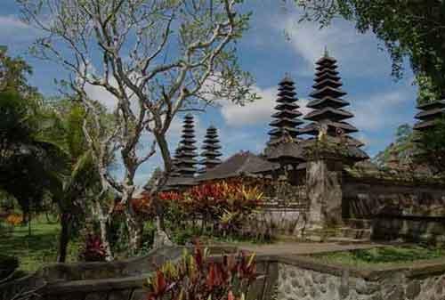 Wisata-di-Bali-12a-Pura-Taman-Ayun---Finansialku