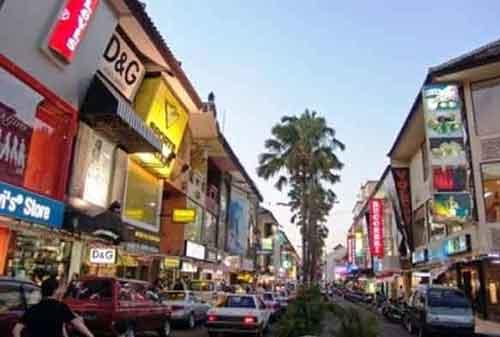 Wisata-di-Bali-17a-Kuta-Square---Finansialku
