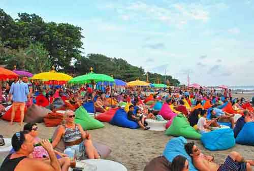 Wisata-di-Bali-23a-Pantai-Double-Six---Finansialku