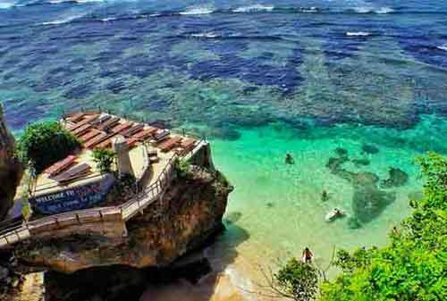 Wisata-di-Bali-24a-Pantai-Uluwatu---Finansialku