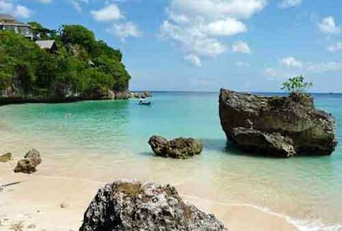 Wisata-di-Bali-28a-Pantai-Padang-padang---Finansialku