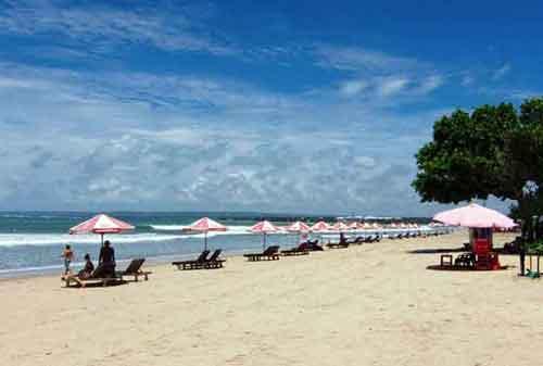 Wisata-di-Bali-29a-Pantai-Kuta---Finansialku