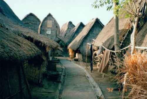 Wisata di Lombok 10 Dusun Sade - Finansialku