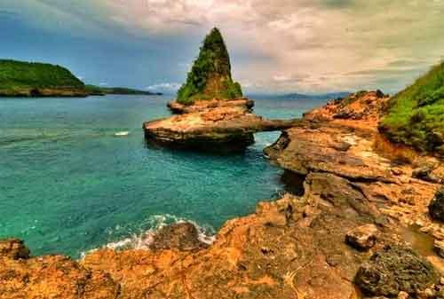 Wisata di Lombok 12 Pantai Tanjung Bloam - Finansialku