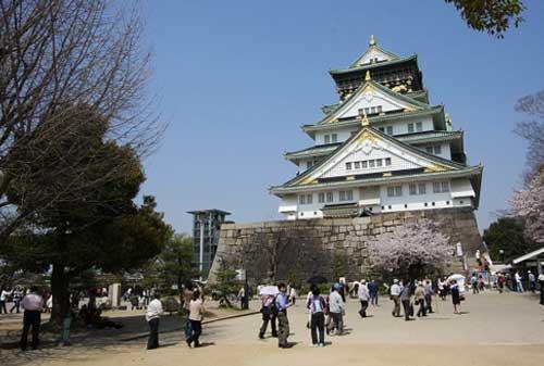 10-Osaka-Castle-Finansialku