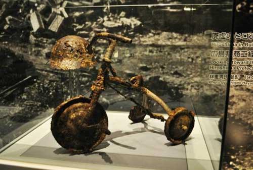 17-Hiroshima-Peace-Memorial-Museum-Finansialku