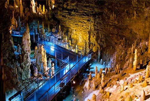 27-Gyokusendo-Cave-Finansialku
