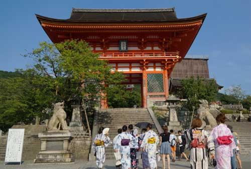 5-Otowa-san-Kiyomizu-dera-Finansialku