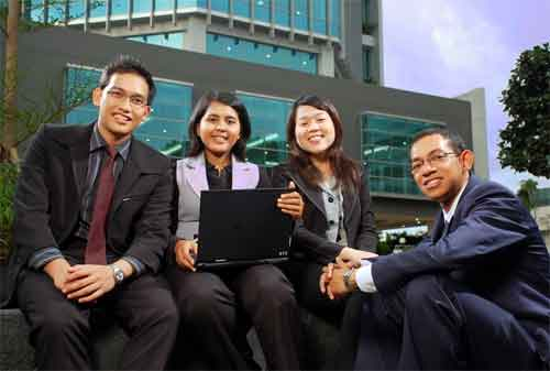 8 Langkah Mudah Menjadi Seorang Entrepreneur Sejati 02 Karyawan - Finansialku