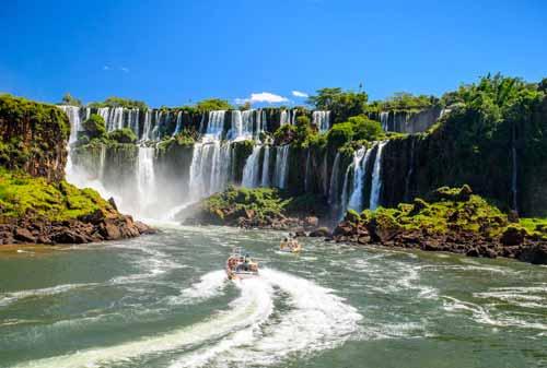 Liburan-ke-Wakanda-Air-Terjun-Iguazu-3-Finansialku