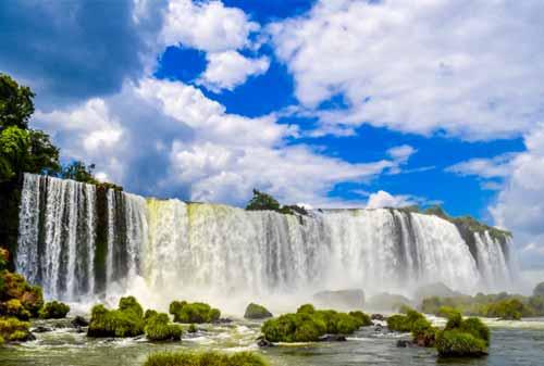 Liburan-ke-Wakanda-Air-Terjun-Iguazu-5-Finansialku