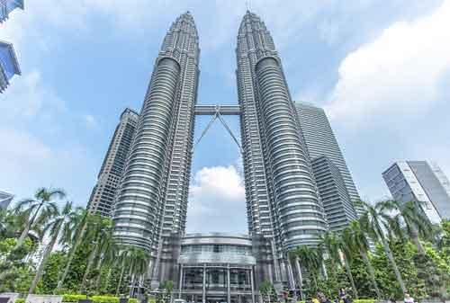 Tempat Wisata di Malaysia 01 Menara Kembar Petronas - Finansialku