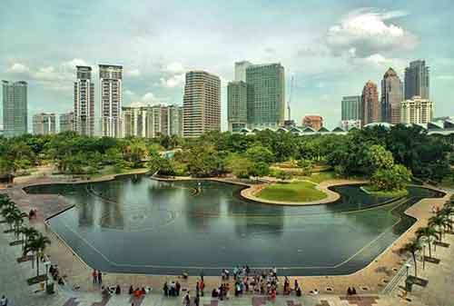 Tempat Wisata di Malaysia 02 Taman KLCC (Kuala Lumpur City Centre) - Finansialku