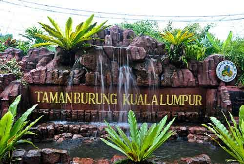 Tempat Wisata di Malaysia 03 Taman Burung KL (Kuala Lumpur Bird Park) - Finansialku