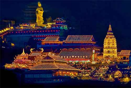 Tempat Wisata di Malaysia 12 Kuil Kek Lok Si - Finansialku