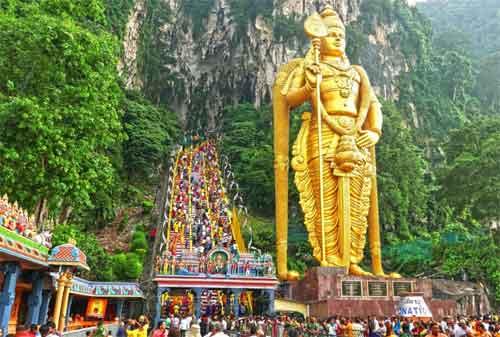 Tempat Wisata di Malaysia 22 Gua Batu (Batu Caves) - Finansialku