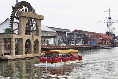Tempat Wisata di Malaysia 30 Malaka River Cruise - Finansialku
