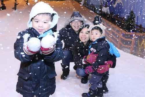 Tempat Wisata di Singapura 41 Snow City Singapore - Finansialku