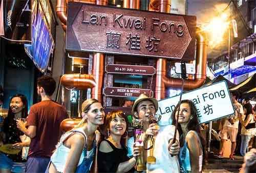 Wisata di Hong Kong 11 Lan Kwai Fong - Finansialku