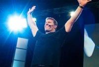 10 Rahasia Memiliki Produktivitas Kerja ala Tony Robbins 01 - Finansialku