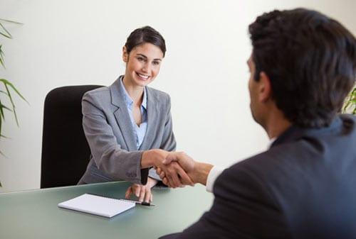 9-Cara-Mengatasi-Gugup-Saat-Interview-Kerja-1-Finansialku