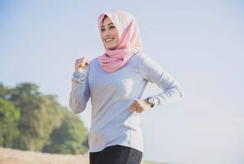 Jaga-Kesehatan-dengan-6-Olahraga-Irit-yang-Cocok-Dilakukan-Saat-Puasa!-3-Jogging-Finansialku